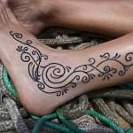 tatouage-femme-abstrait-11