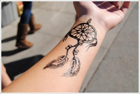 tatouage femme épaule avant