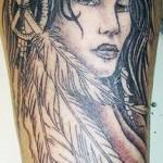 tatouage femme américain indien