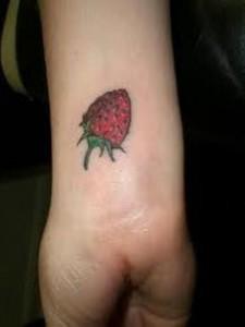 tatouage femme américain poignet