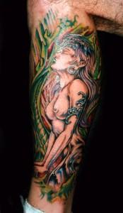 tatouage femme nue