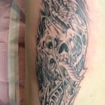 tatouage-femme-biomecanique-31