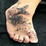 tatouage papillon pied cheville femme
