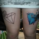 Tatouage femme cuisse diamants
