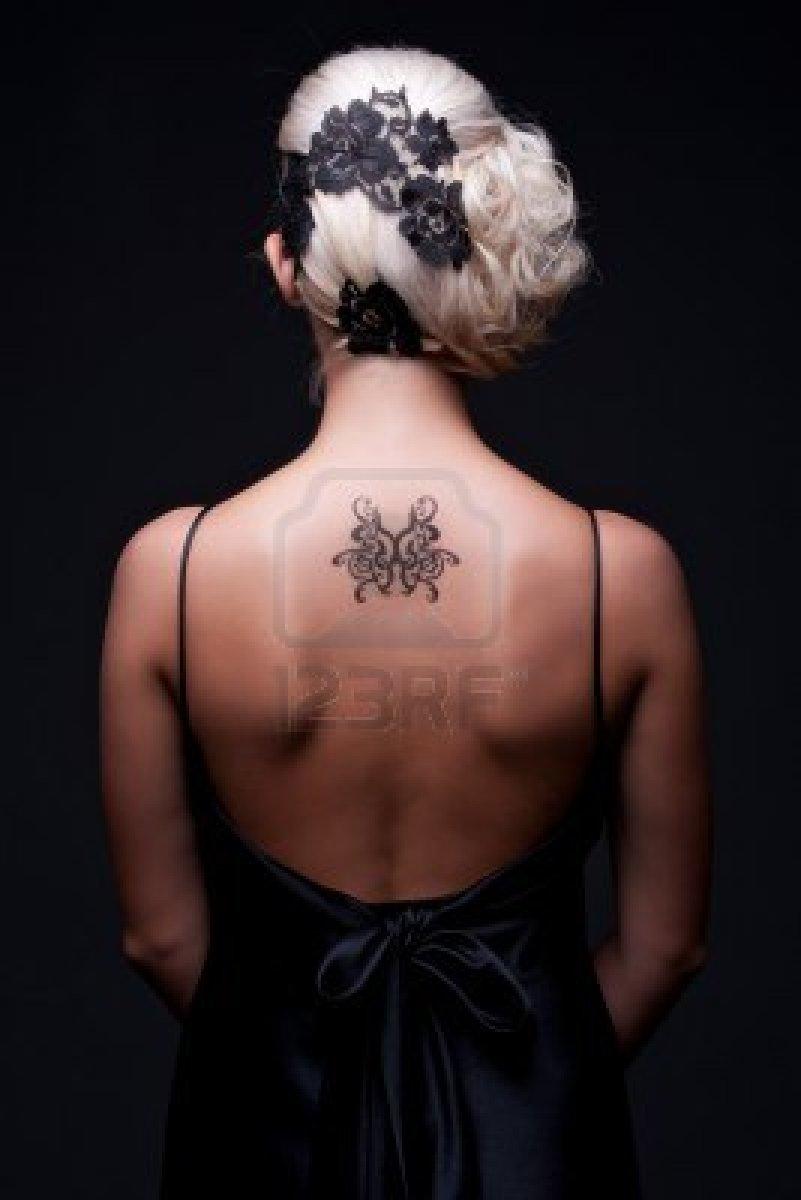 Tatouage Femme Dos Discret
