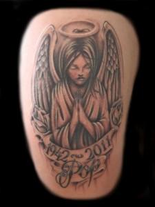 tatouage femme dos ange