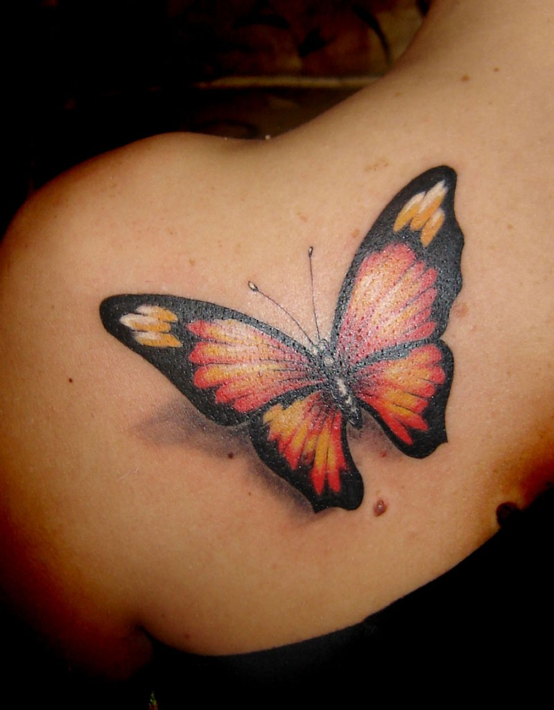 tatouage femme paule papillon r aliste. Black Bedroom Furniture Sets. Home Design Ideas