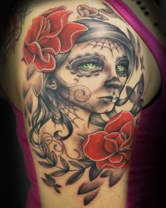 tatouage femme triste