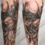 tatouage-femme-macabre-gore-27