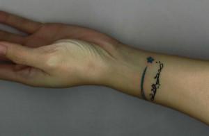 tatouage femme poignet oriental