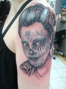 tatouage visage sinistre macabre