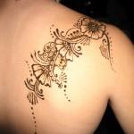 tatouage femme dos maori